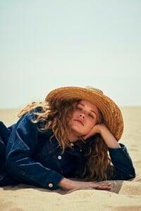 Will-Vendramini-Costume-Magazine-Tanya-Kizko-18.thumb.jpg.9e39bcf29392546e4964816ef7800fc0.jpg