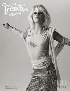 french-revue-de-modes-2002-october-13-single.jpg