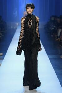 jean-paul-gaultier-couture-fall-2018-paris-fashion-week-2656.thumb.jpg.4232e66fe56b52aa2a81079bffdcca79.jpg