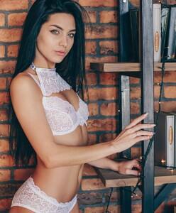 lingerie_jar_47693604_408628756546172_7911171635870263055_n.jpg