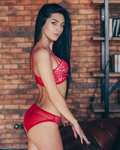 lingerie_jar_49475045_2250388665226124_369303658919232255_n.jpg