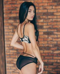 lingerie_jar_49599977_289598268581702_7219581498141017463_n.jpg