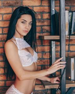 lingerie_vladivostok_47692822_225907934960245_6264098014417960212_n.jpg
