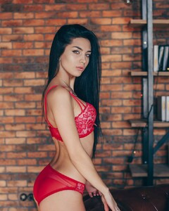 lingerie_vladivostok_47694420_389941518239580_5677456977444640955_n.jpg