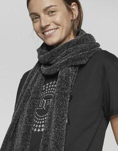 schwarz_schal_damen_asamta-scarf_opus_seite_6.jpg