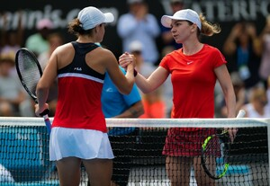 simona-halep-2019-sydney-international-tennis-01-09-2019-4.jpg
