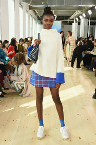 Leomie+Anderson+Tory+Burch+Fall+Winter+2019+GbmXaKtVoAFx.jpg
