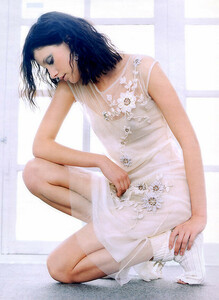 Maria_Nevskaya-ElleDE0202-phChristianKettiger (2).jpg