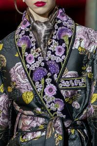 Dolce+Gabbana+Fall+2019+Details+IEeoB_EEzkQx.jpg