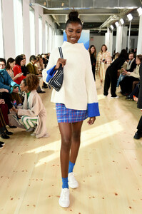 Leomie+Anderson+Tory+Burch+Fall+Winter+2019+BjYMK3MxFn0x.jpg