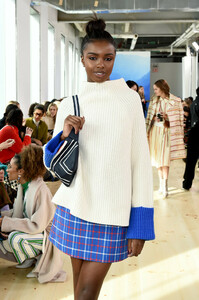 Leomie+Anderson+Tory+Burch+Fall+Winter+2019+ThCz5bbc-uBx.jpg