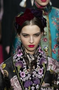 Dolce+Gabbana+Fall+2019+Details+v9FEZVYeuWmx.jpg