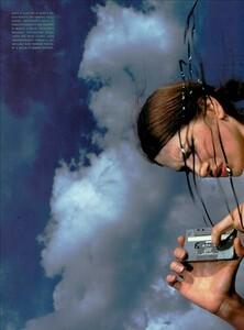 Hiett_Vogue_Italia_August_1999_03.thumb.jpg.ba69d5455da1b21d077c392c703fadfc.jpg