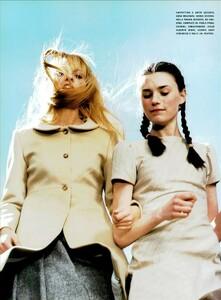 Jenkins_Vogue_Italia_August_1999_07.thumb.jpg.9fd776a5404447e165aac0eacf4e831a.jpg