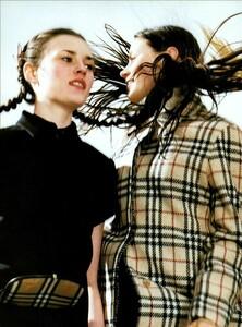Jenkins_Vogue_Italia_August_1999_11.thumb.jpg.56c552307c33ebfe60891b9203be3023.jpg