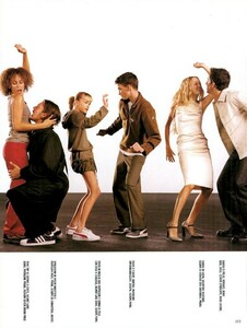 Meisel_Vogue_Italia_December_1998_03.thumb.png.bc5a6468a260b11f327eea2a172a893d.png
