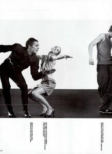 Meisel_Vogue_Italia_December_1998_08.thumb.png.90b1a4832665bb8de80ccb612bcc0d45.png