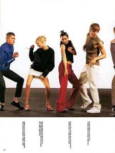 Meisel_Vogue_Italia_December_1998_10.thumb.png.4b500c5fd6d64d62f5f0c235dfff8cfb.png