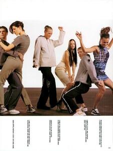 Meisel_Vogue_Italia_December_1998_11.thumb.png.c556e4afda54c2264ce4483c29803570.png