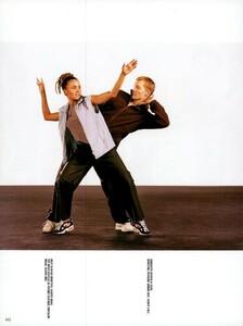 Meisel_Vogue_Italia_December_1998_12.thumb.png.26c6f8a5ff6441292819043f9238b332.png