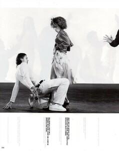 Meisel_Vogue_Italia_December_1998_16.thumb.png.b8682152f6c7e825cd6cf6746e109ac7.png