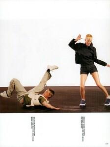 Meisel_Vogue_Italia_December_1998_19.thumb.png.e7de2bae0d92e618410cd6ee0626bdaa.png