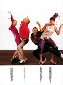 Meisel_Vogue_Italia_December_1998_21.thumb.png.00ae2c6ca8a703cd1a429831a3837de8.png