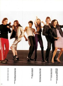 Meisel_Vogue_Italia_December_1998_22.thumb.png.2155fc2371f4f282268b0c4506fc395d.png