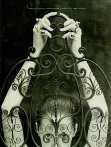 Meisel_Vogue_Italia_November_1988_02.thumb.jpg.d6644f70ef210833281041cedc34b13a.jpg
