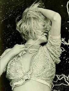 Meisel_Vogue_Italia_November_1988_05.thumb.jpg.d69fe4ec8f21ed7f8cdb0d12cf42040f.jpg