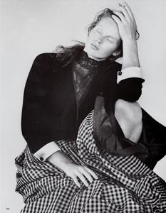 Meisel_Vogue_Italia_September_1986_Speciale_03.thumb.png.34312ac3e28a126f96d6d5d5df08c881.png