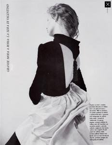 Meisel_Vogue_Italia_September_1986_Speciale_04.thumb.png.9bdf818d2990d8c81f7b6270972f4d62.png