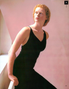 Meisel_Vogue_Italia_September_1986_Speciale_06.thumb.png.62468fa5372d1a4b211afdbad21f5574.png