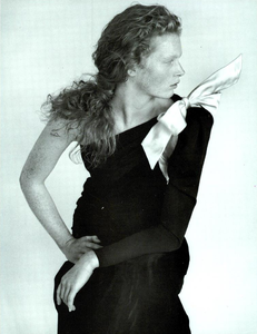 Meisel_Vogue_Italia_September_1986_Speciale_07.thumb.png.21c69170352792b22e416f4b53ae0f6d.png