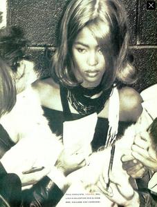 Perline_Colorate_Meisel_Vogue_Italia_June_1989_02.thumb.png.f35cef37f8a093fdb4836cef983ca03b.png