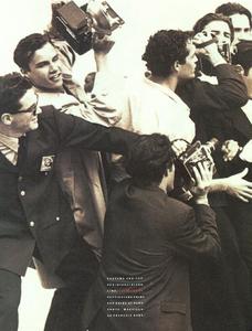 Perline_Colorate_Meisel_Vogue_Italia_June_1989_11.thumb.png.f09e45fde2c552fbd9d03e70768ea769.png