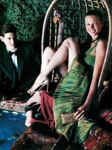 Smith_Vogue_Italia_December_1998_02.thumb.jpg.dfcfa5b33daf672ff6eb92abb9580b5d.jpg