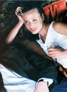 Smith_Vogue_Italia_December_1998_03.thumb.jpg.751bd24ce5f04420df567b93e5e9efda.jpg