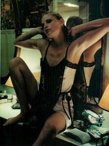 Sorrenti_Vogue_Italia_December_1998_02.thumb.png.b38f881d5e7972ed0254a147bdccaa5a.png