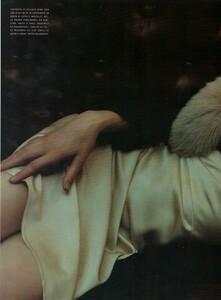 Sorrenti_Vogue_Italia_December_1998_03.thumb.png.2401d80a27ccb0296f645438d7b7a491.png