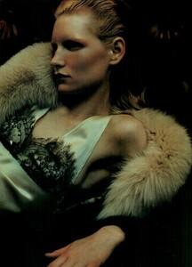 Sorrenti_Vogue_Italia_December_1998_04.thumb.png.ef05fb070d2c576d33e1907225752e5a.png
