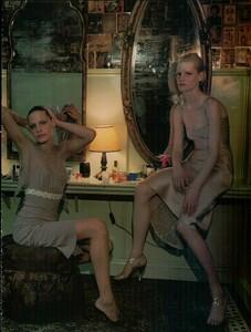 Sorrenti_Vogue_Italia_December_1998_06.thumb.png.22d10d36cd647f93ba0f7f3d22874ead.png