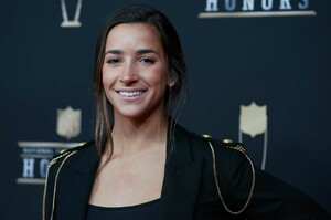aly-raisman-nfl-honors-in-atlanta-02-02-2019-1.thumb.jpg.07210796fdc5d9ac0fee9de67edd67b0.jpg