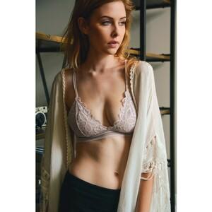flower-bunch-lace-spring-summer-losangeles-cute-trending-wholesale-bralette-lilac-detail.thumb.jpg.44bd6b654b54992036d416b9a6898e63.jpg