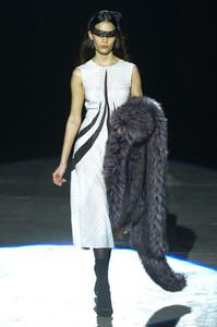 marco-de-vincenzo-rtw-fall-2019-milan-fashion-week-mfw002.thumb.jpg.5f8af875b8e24f840dd12d37ba041def.jpg