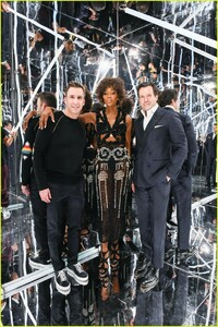 naomi-campbell-launches-equinox-hotels-new-campaign-14.jpg