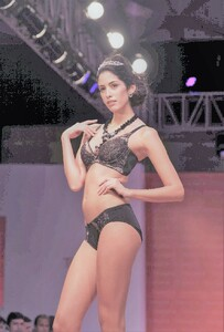 1117252984_20-models-walk-ramp-for-triumph-lingerie-fashion-show(8).thumb.jpg.0ebc81a57dad0de50b75f5eacfe9b4a1.jpg