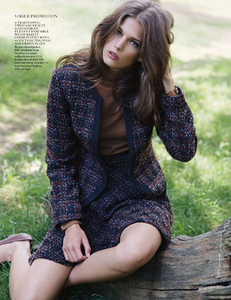 Armstrong_Vogue_UK_October_2013_03.thumb.png.5904b45e235bf6d4649f54a0c769afc5.png