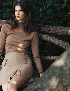 Armstrong_Vogue_UK_October_2013_06.thumb.png.25a4d6f68624ff105eeca7316430c89c.png
