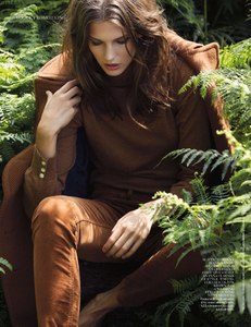 Armstrong_Vogue_UK_October_2013_07.thumb.png.c2a89dd0b33a1e06c1123ea29dc36a54.png